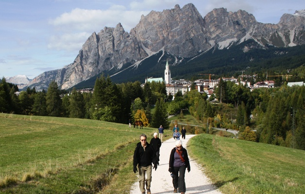 Walking tour in Verona and the Dolomites in autumn 8