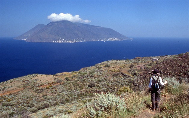 sicily walking tour lipari walk 2