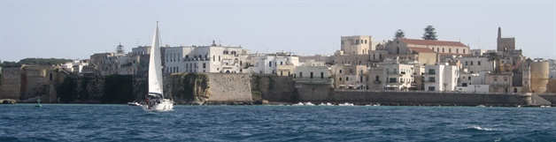 strip sailing puglia guided walking tour